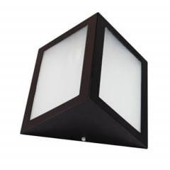 ARANDELA  TRIANGULAR EXTERNA ALUMINIO P/ 1 LAMP E27 PRETA